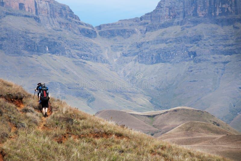 Caminhando Drakensberg, África do Sul foto de stock royalty free