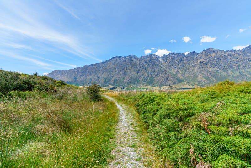 Caminhando jaques aponte a trilha, ideia dos remarkables, queenstown, Nova Zelândia 3 fotos de stock