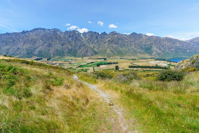 Caminhando jaques aponte a trilha, ideia dos remarkables, queenstown, Nova Zelândia 4 imagens de stock royalty free