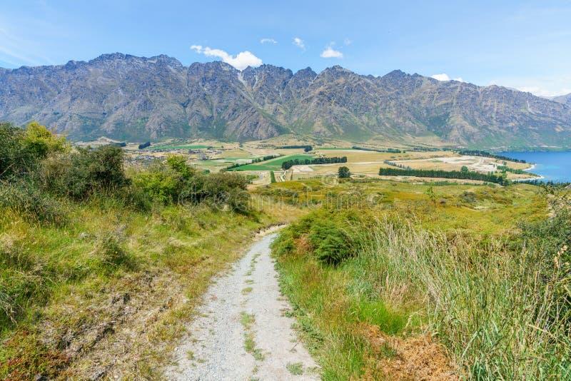Caminhando jaques aponte a trilha, ideia dos remarkables, queenstown, Nova Zelândia 5 fotos de stock royalty free
