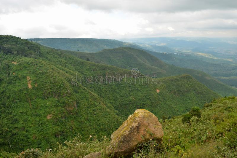 Caminhando os montes de Kijabe, Kenya fotos de stock