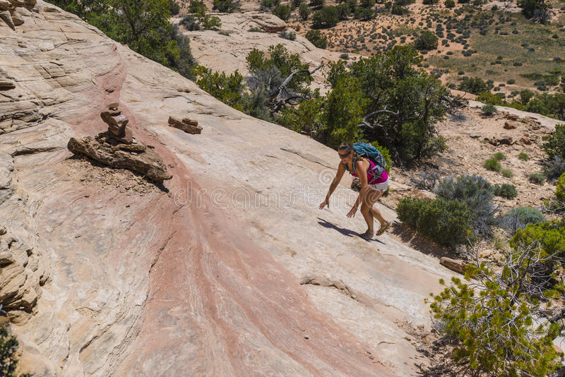 Caminhante em Canyonlands foto de stock