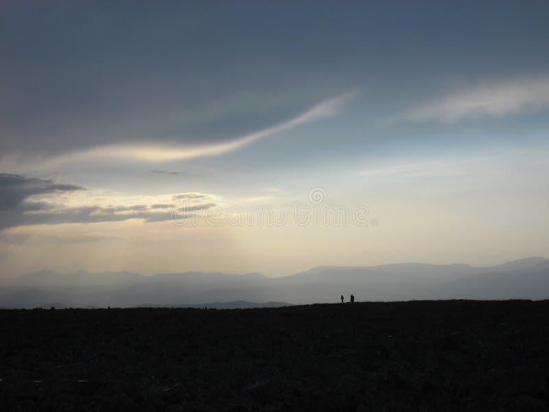Caminhantes da montanha na montanha de Iremel fotos de stock royalty free