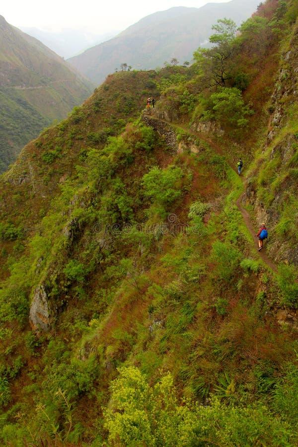 Caminhar o inca arrasta o título a Machu Picchu fotos de stock