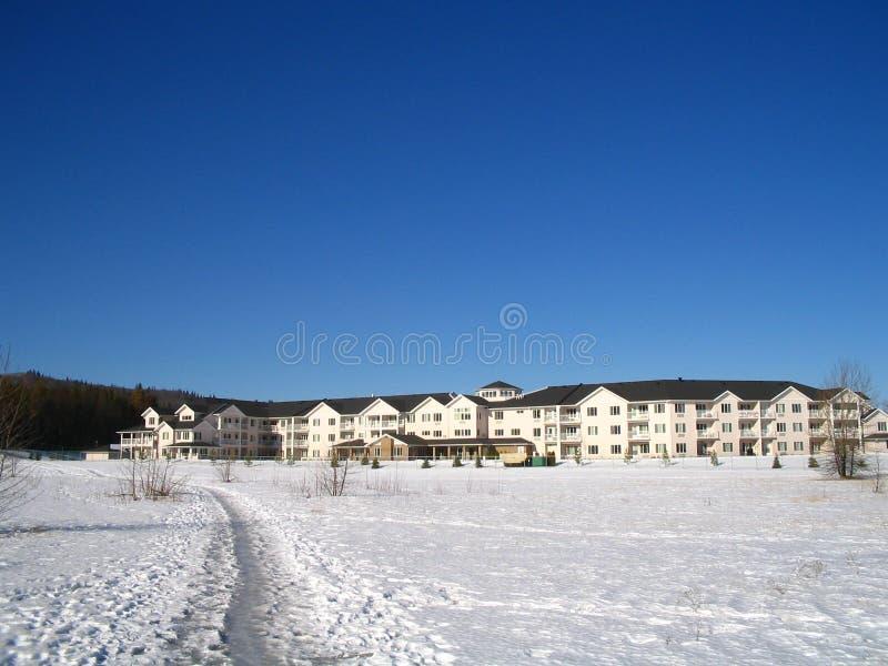 Download Caminho ao castelo imagem de stock. Imagem de carcaça, neve - 525113