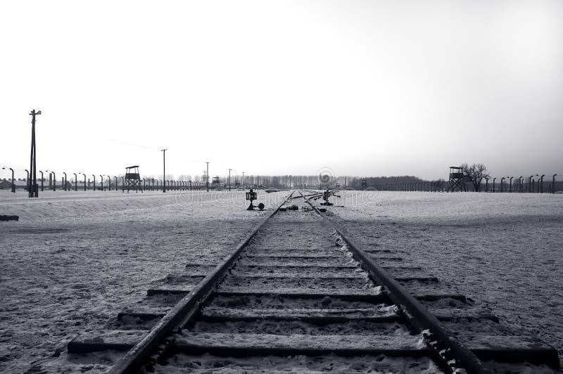 Caminho de ferro em Auschwitz/Birkenau imagens de stock