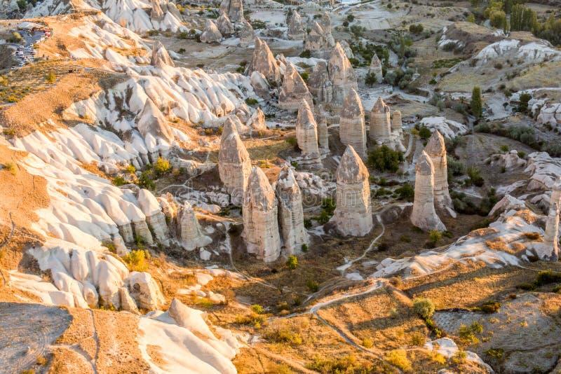 Camini leggiadramente di Cappadocia, Turchia fotografia stock libera da diritti