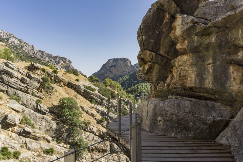 Caminito del Rey - berg som fotvandrar slingan Malaga landskap spain fotografering för bildbyråer
