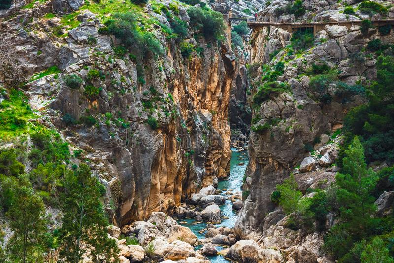 Caminito Del Rey - bergweg langs steile hellingen in Andalusia stock fotografie