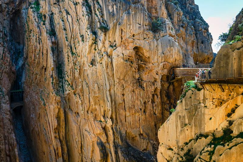 Caminito Del Rey - bergweg langs steile hellingen in Andalusia stock afbeelding
