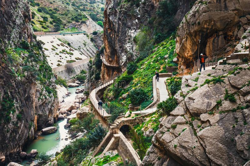 Caminito Del Rey - bergweg langs steile hellingen in Andalusia, Spanje stock foto