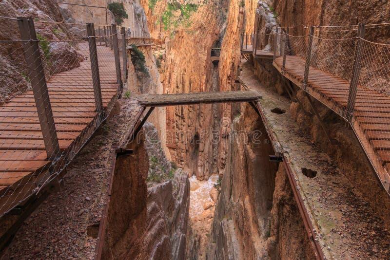 Caminito del Rey - a maneira nova e velha imagens de stock royalty free