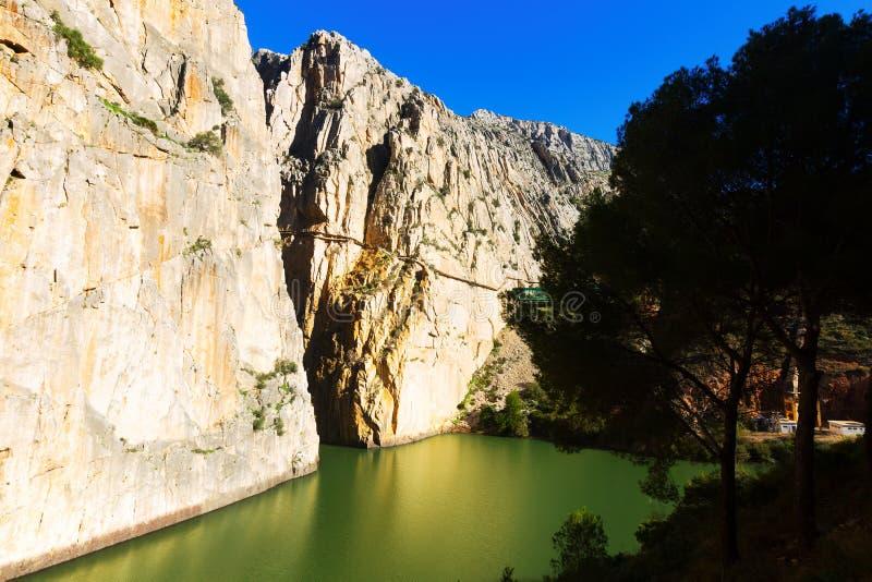 Caminito del Rey in rotsachtige canion andalusia royalty-vrije stock afbeelding