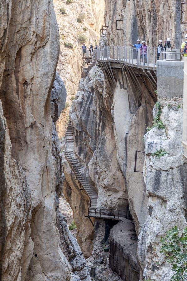 Caminito del Rey som fotvandrar slingan malaga spain royaltyfri bild