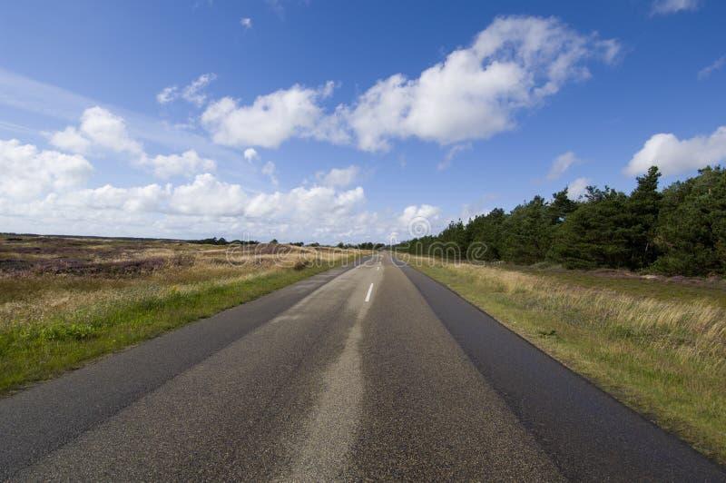 Download Camino imagen de archivo. Imagen de impresionante, nube - 1291493