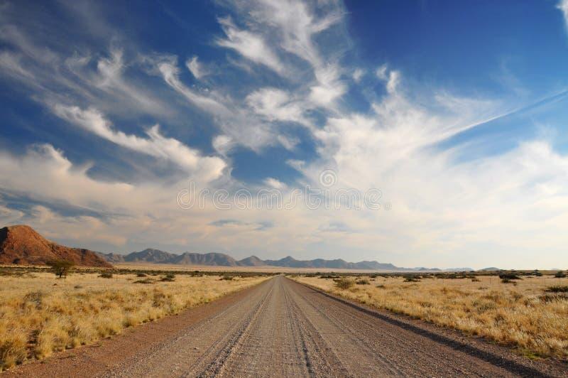 Camino abierto de par en par del desierto foto de archivo