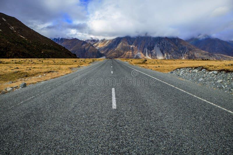 Camino al aoraki - mt parque nacional Nueva Zelanda del cocinero fotografía de archivo libre de regalías