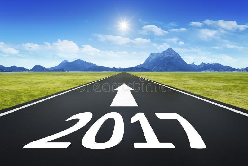 Camino al horizonte con el número 2017 stock de ilustración