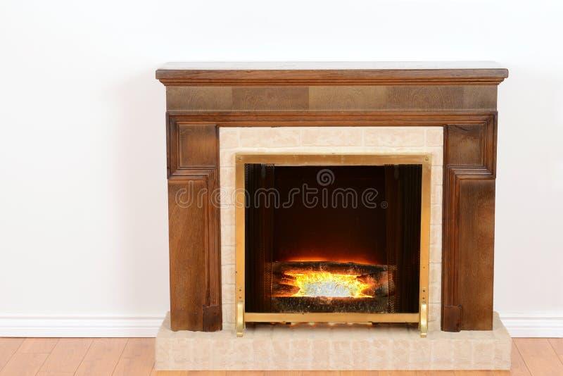 Camino con fuoco falso immagini stock