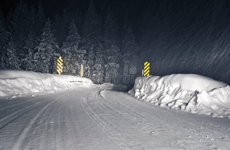 Camino de Colorado de la tormenta del invierno foto de archivo