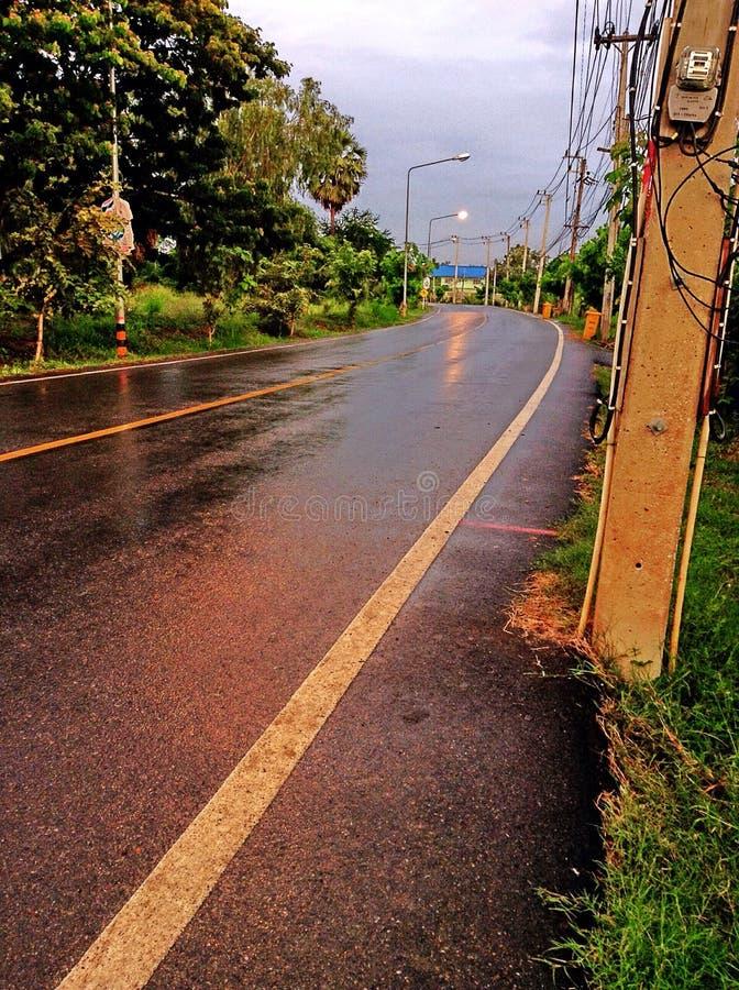 Camino de la mañana, descenso del agua, Tailandia, ayutthaya foto de archivo libre de regalías