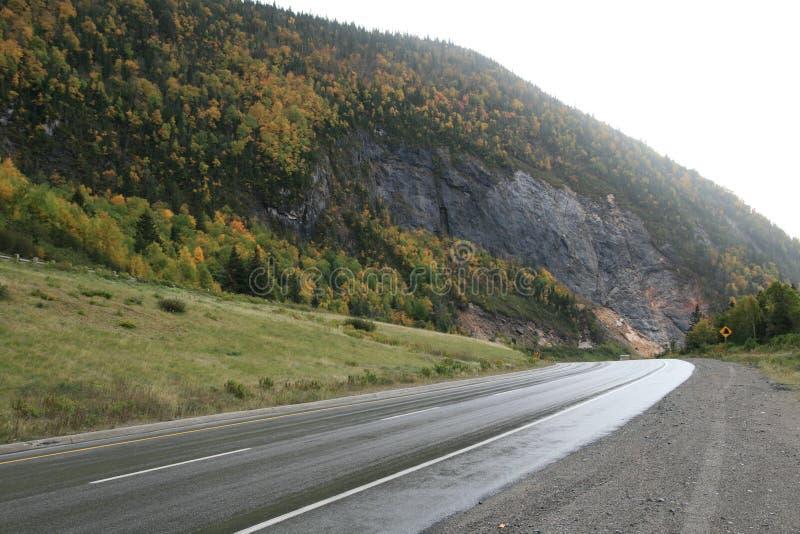 Camino de la montaña del enrollamiento imagen de archivo libre de regalías