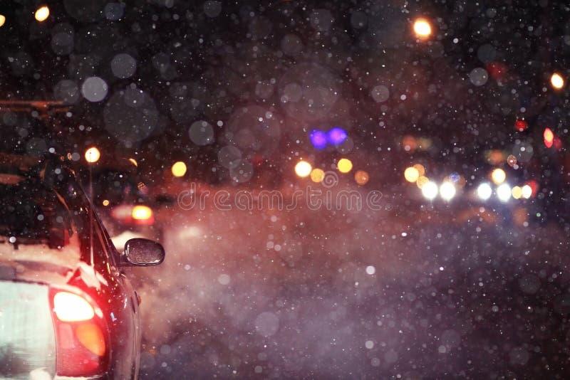 Camino de la noche del invierno fotos de archivo