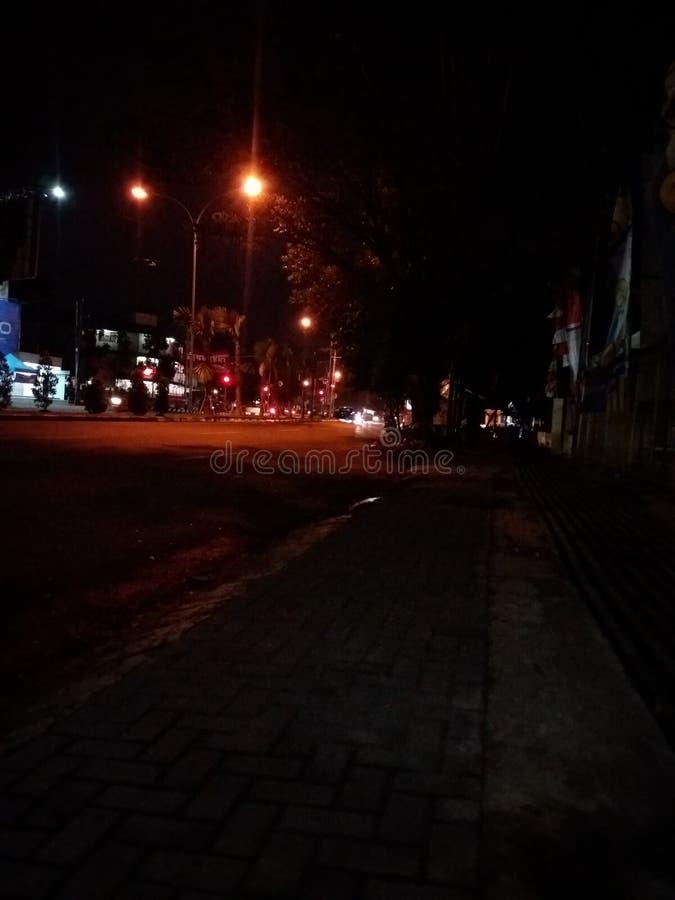 Camino de la noche en mi ciudad foto de archivo libre de regalías