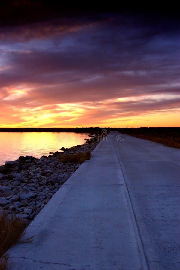 Camino de la puesta del sol fotos de archivo libres de regalías
