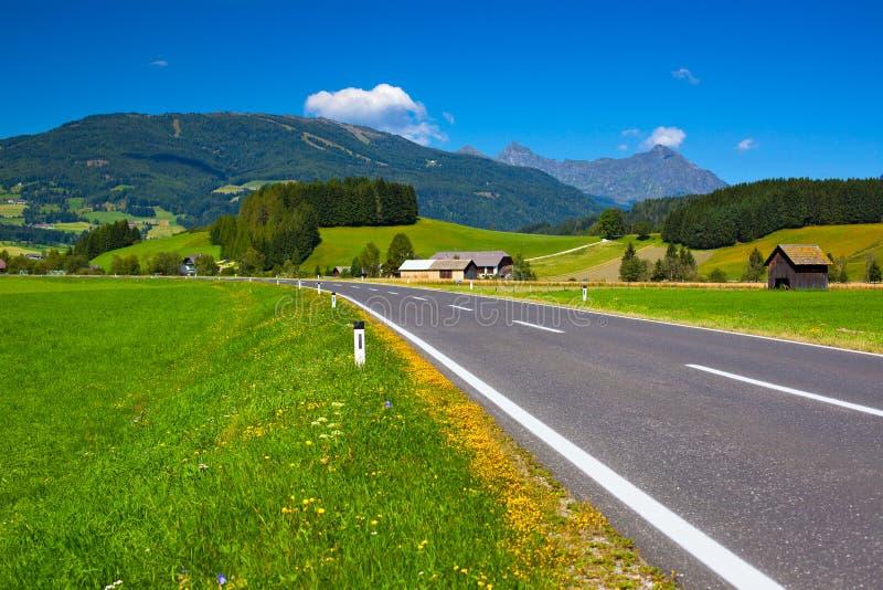Camino De Las Montañas Imagen de archivo libre de regalías