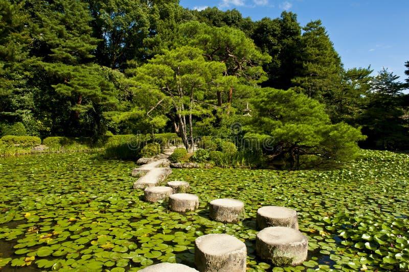 Camino de piedra del zen foto de archivo