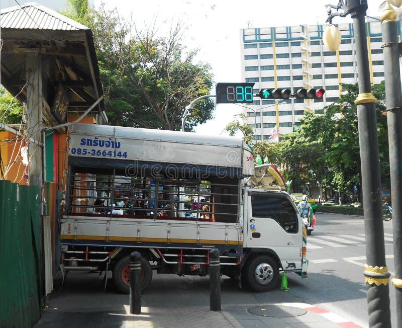 Camino de Silom, Bangrak Bangkok fotos de archivo
