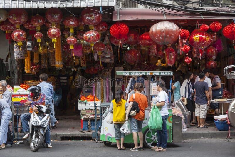Camino de Yaowarat en la ciudad de China en Bangkok, Tailandia fotos de archivo libres de regalías