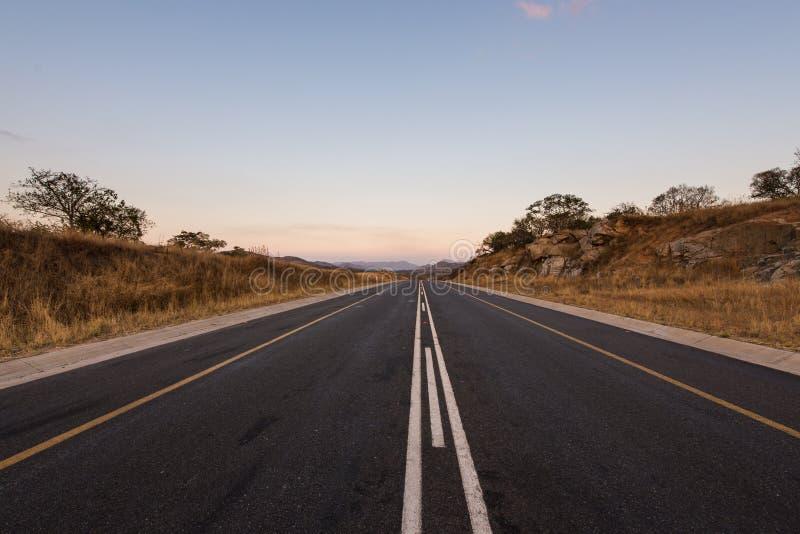 Camino del alquitrán en Suráfrica imagenes de archivo