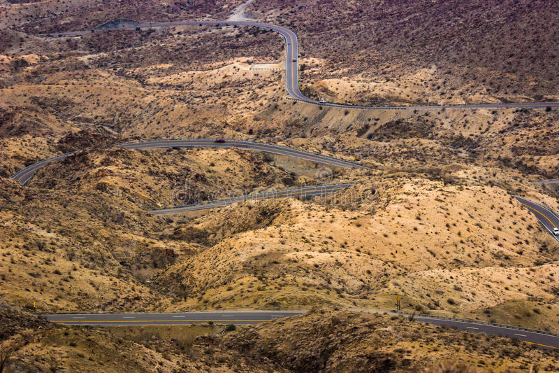 Camino del desierto de la bobina imágenes de archivo libres de regalías
