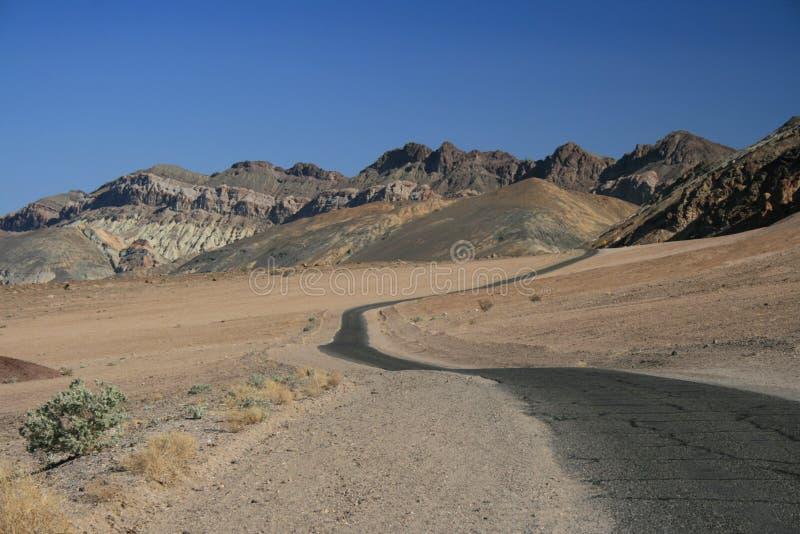 Camino del desierto del enrollamiento foto de archivo libre de regalías