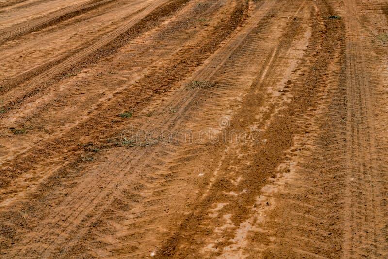 Camino del polvo de Brown fotografía de archivo libre de regalías