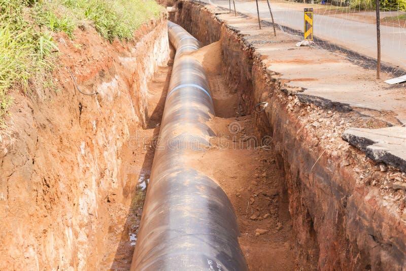 Camino del tubo de la construcción de Aquaduct imágenes de archivo libres de regalías
