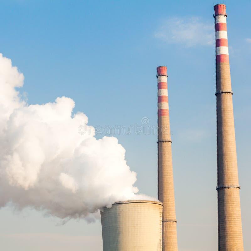 Camino della centrale elettrica fotografie stock libere da diritti