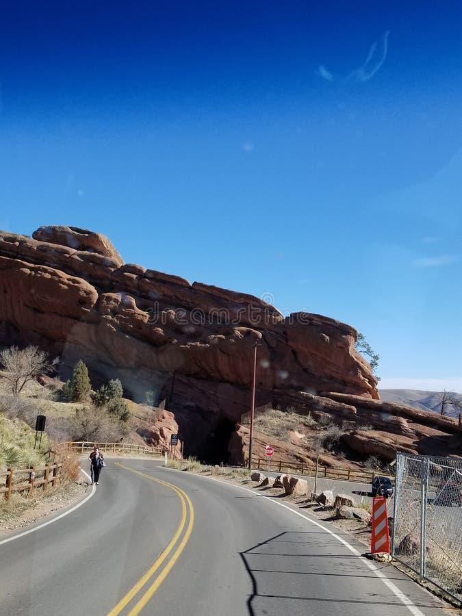 Camino el teatro rojo de la roca imagenes de archivo