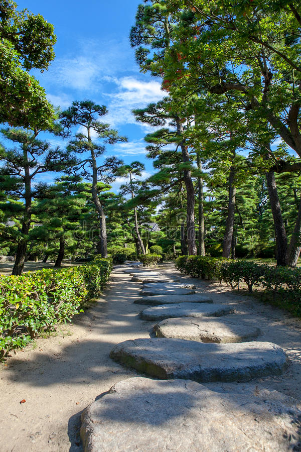Camino en jardín japonés fotografía de archivo libre de regalías