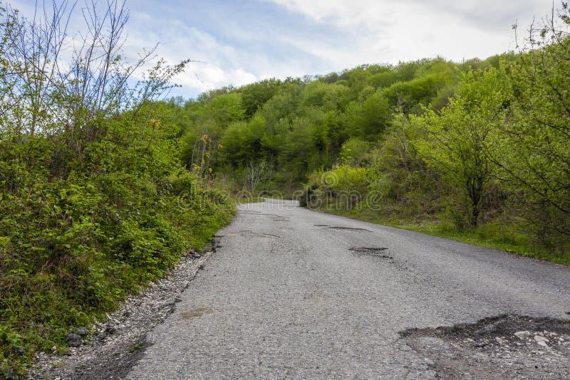 Camino en montañas imagen de archivo