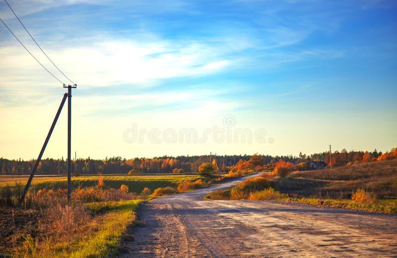 Camino en otoño imagen de archivo