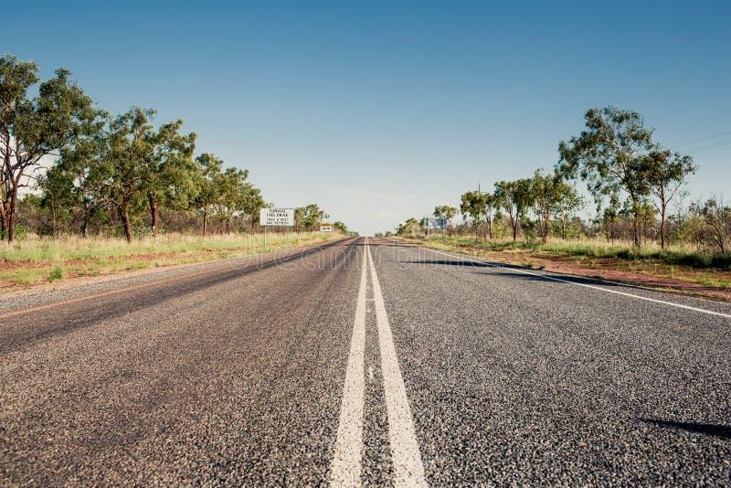 Camino en Queensland, Australia fotos de archivo libres de regalías