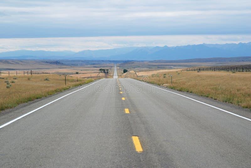 Camino en Montana, los E.E.U.U. fotografía de archivo libre de regalías