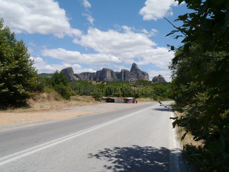 Camino a Meteora, Grecia septentrional imagen de archivo