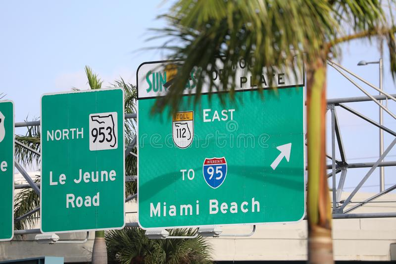 Camino a Miami Beach en la carretera foto de archivo libre de regalías