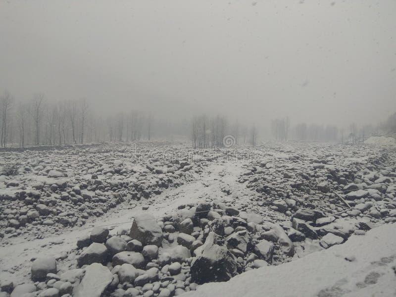 Camino por completo de la nieve imágenes de archivo libres de regalías
