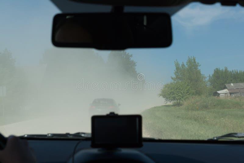 Camino rural polvoriento fotos de archivo