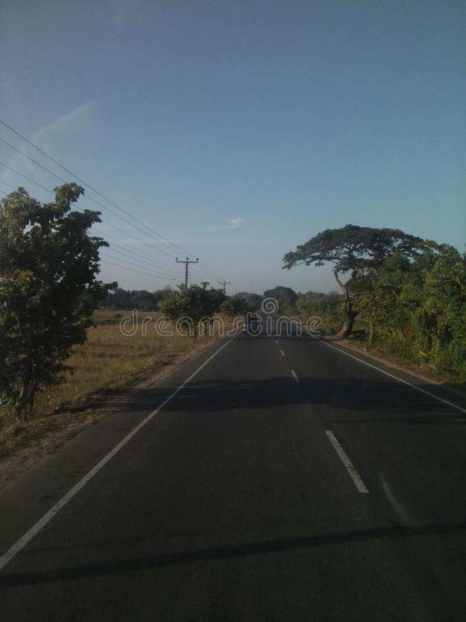 Camino Sri Lanka de Thanamalwila Wellawaya fotos de archivo